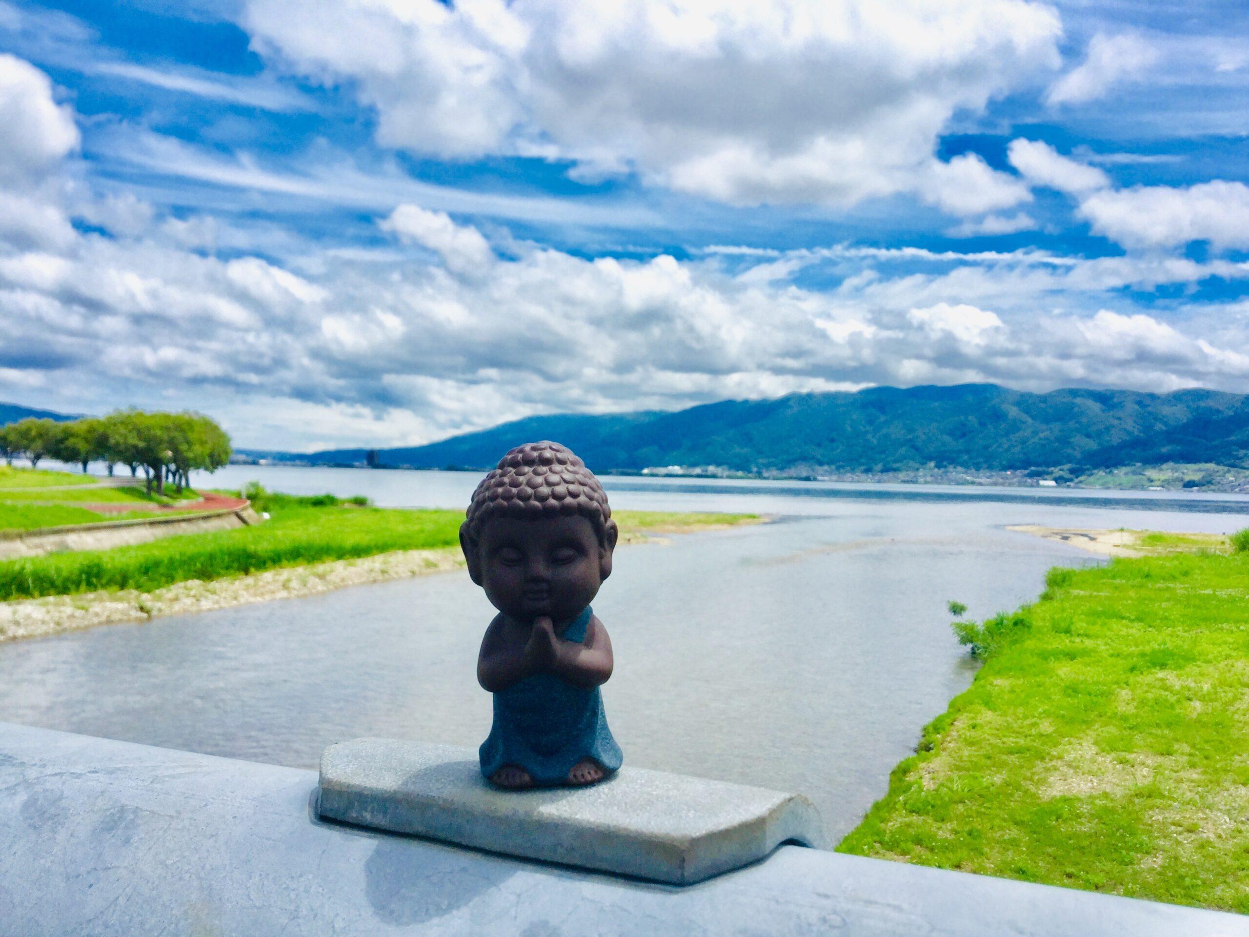 諏訪湖とお釈迦様